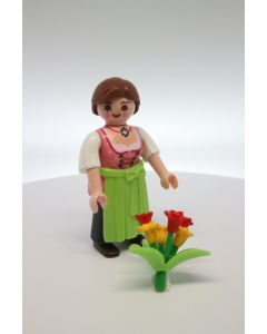 5597 Series 8 Women with flowers