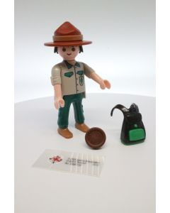 5598 figures Series 9 Scouting